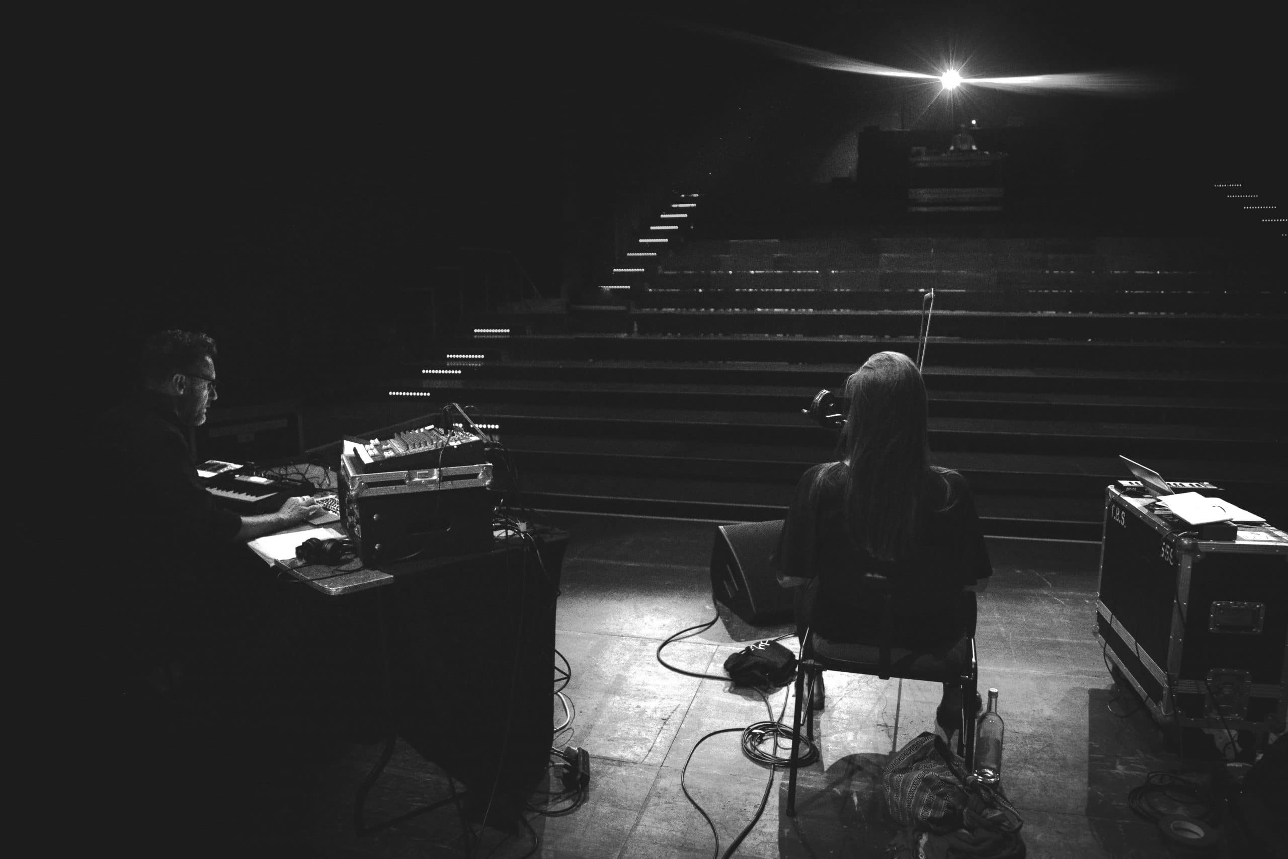 Michael Beg and Kate Ellis soundcheck in Berlin